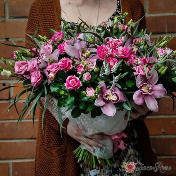 Букет с орхидеей LOVE