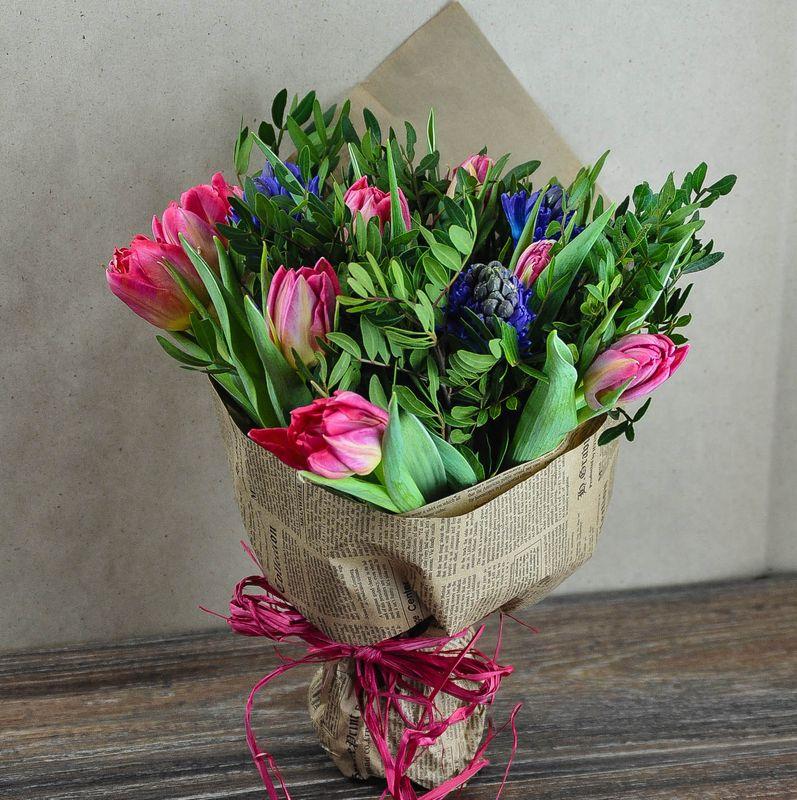 Букет с тюльпанами и гиацинтами
