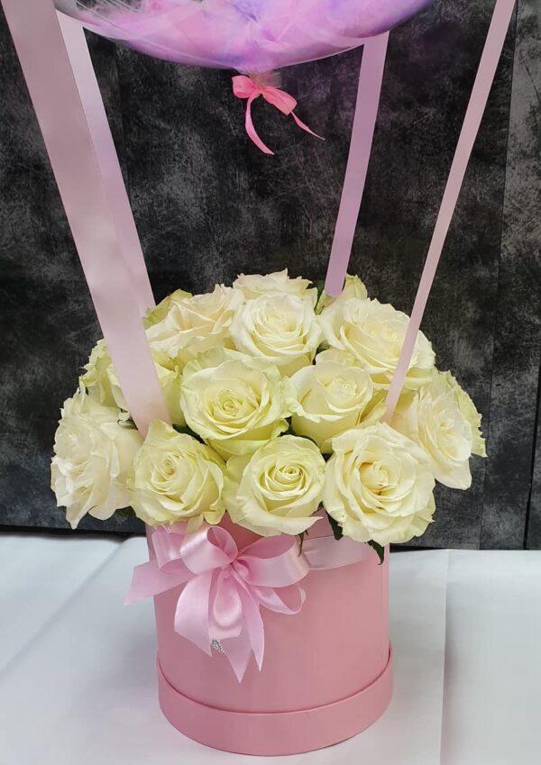 Шляпная коробка 25 роз с баблс