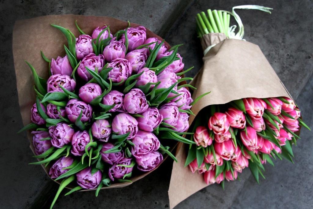 Букет махровых тюльпанов