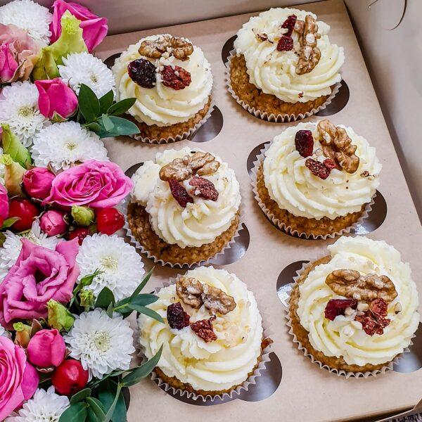 cupcake_i_cvety (1)