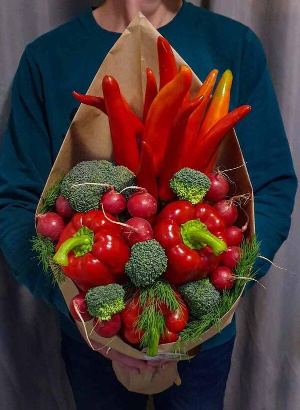 Овощной букет красный