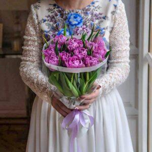 15 махровых тюльпанов