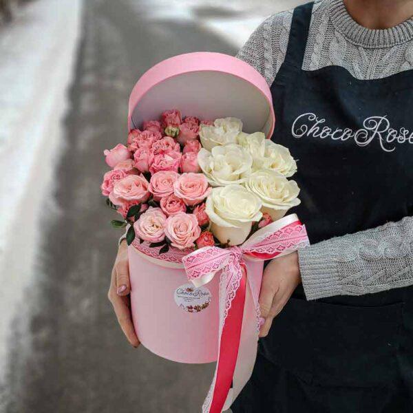 Цветы в шляпной коробке Красотка