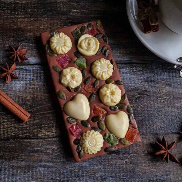 Шоколад ручной работы с цветами
