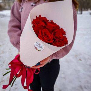 Букет 9 красных роз в крафте NEW