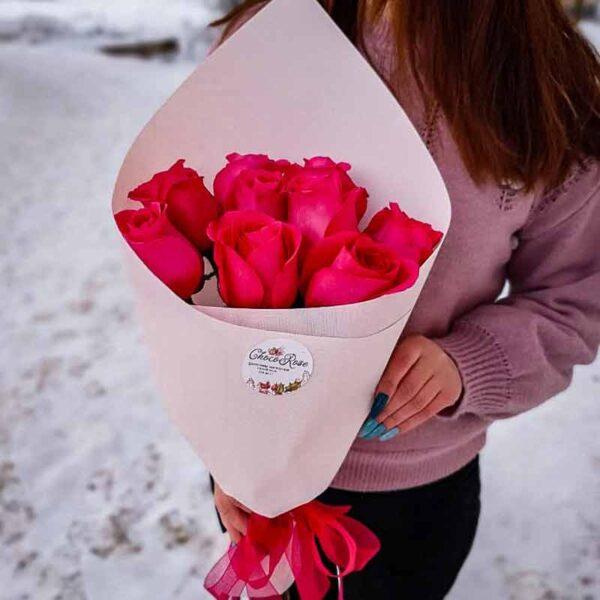 Букет 9 розовых роз в крафте NEW
